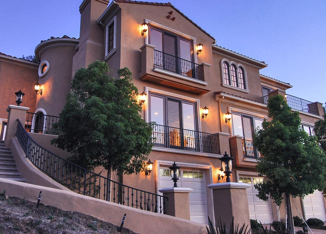 resort-home-footer-img